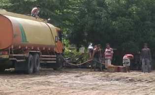 Diduga Penampungan CPO Ilegal Marak Dipinggiran Lintas Banjar XII Rohil, Riau - Sumut