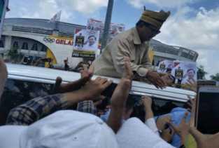 Prabowo Tiba Dipekanbaru, Ribuan Massa Teriak Pak Prabowo, prabowo -prabowo...