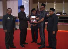 DPRD Rohil Paripurnakan LKPJ Bupati 2018 Dan Pembahasan 16 Ranperda