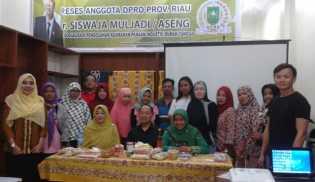 Anggota DPRD Propinsi Riau Reses Dengan Puluhan UKM Dan IKM Rohil