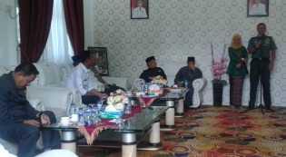 Bupati Rohil Sambut Silaturahmi Dandim 0321 Yang Baru