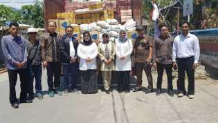 DPRD Riau Serahkan Sumbangan Gempa Lombok