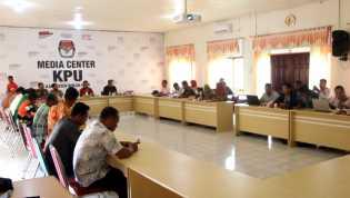 KPU Rohil Gelar Rapat Pleno Rekapitulasi Daftar Pemilih Tambahan