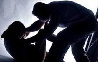 Dugaan Pencabulan, Polisi Akhirnya Tahan Kades Pedekik, Bengkalis
