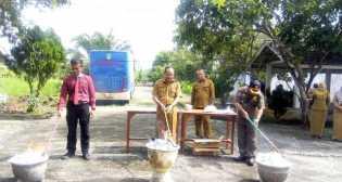 Disduk Capil Rohil Musnahkan 7.163 KTP Elektronik Invalid