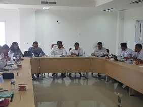 Bupati Rohil dan Anggota KPK Gelar Rapat Tertutup