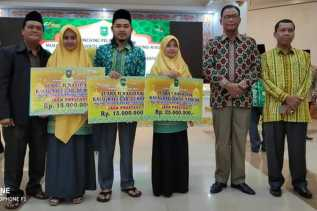 Tiga Perwakilan Rohil Juara Lomba MTQ Nasional Ke-XXVII Terima Bonus Pemprov Riau
