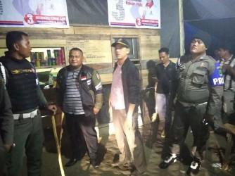 Satpol PP Rohul Amankan 7 Wanita dari Warung Remang-remangi