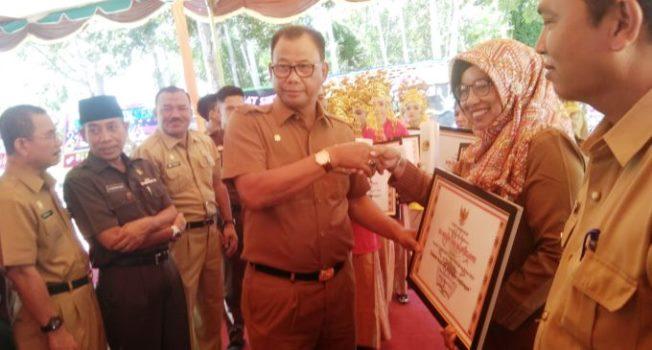 Bupati Rohil Suyatno, Sekolah di Rohil Raih Adiwiyata Tingkat Nasionali